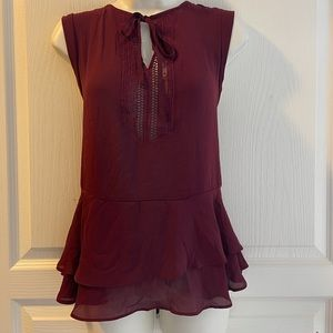 Mossimo Woman's Top W/Tie at The collar Size M
